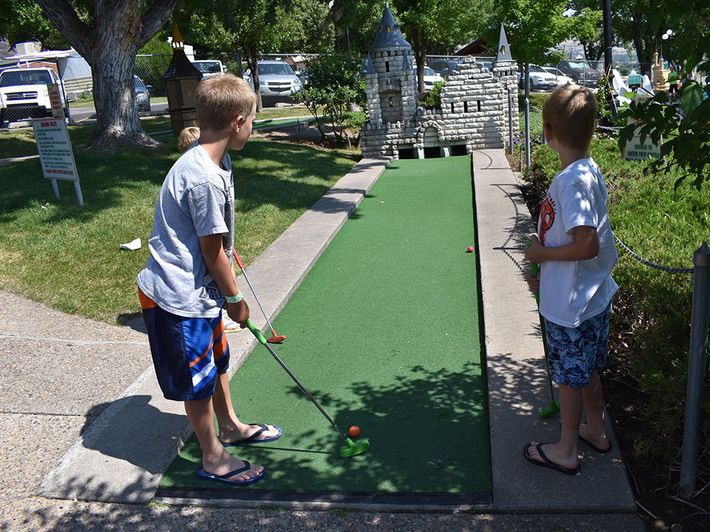 Mini Golf at Cherry Hill Water Park, Family Fun Center & Camping Resort