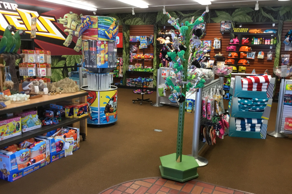 Jungle Maze Gift Shop | Cherry Hill Water Park